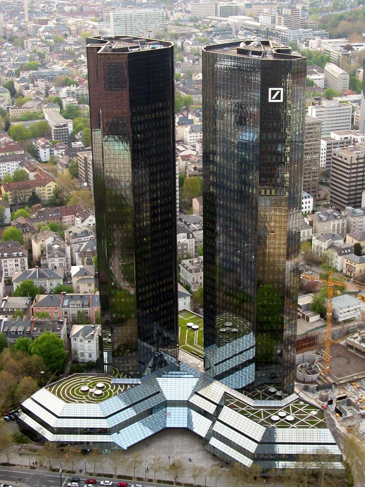 Frankfurt_Deutsche_Bank_Skyscryper